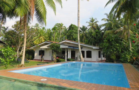 4 Bedroom villa for rent with swimming pool