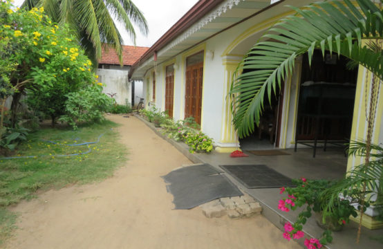 House for rent near Negombo with 2 AC rooms (3 bed)