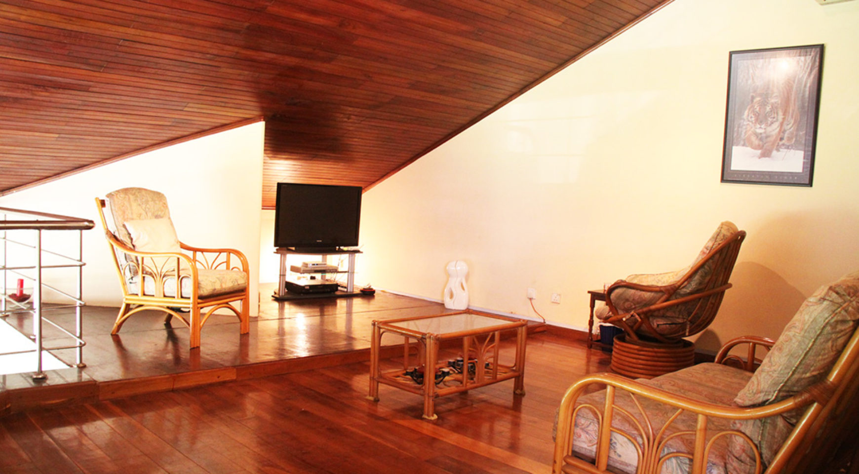 Luxury penthouse apartment for sale ceylon estate agents for Penthouse apartment for sale