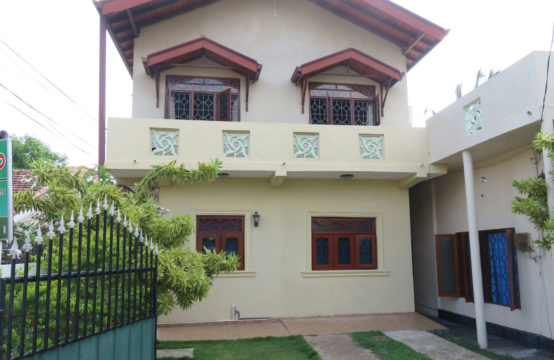 3 bedroom rental house close to beach