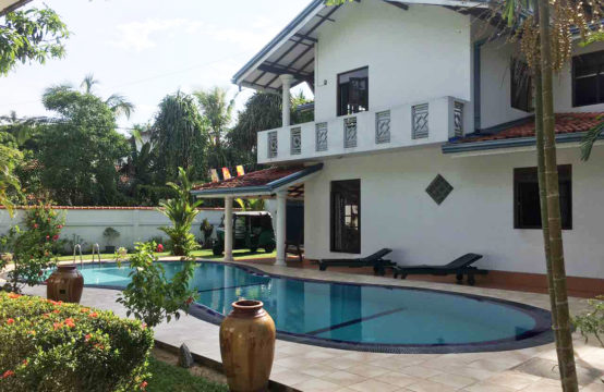 Villa and Bungalow for sale close to beach