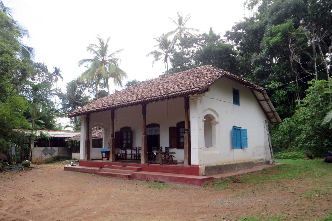 Holiday villa or boutique hotel potential – 1 Acre