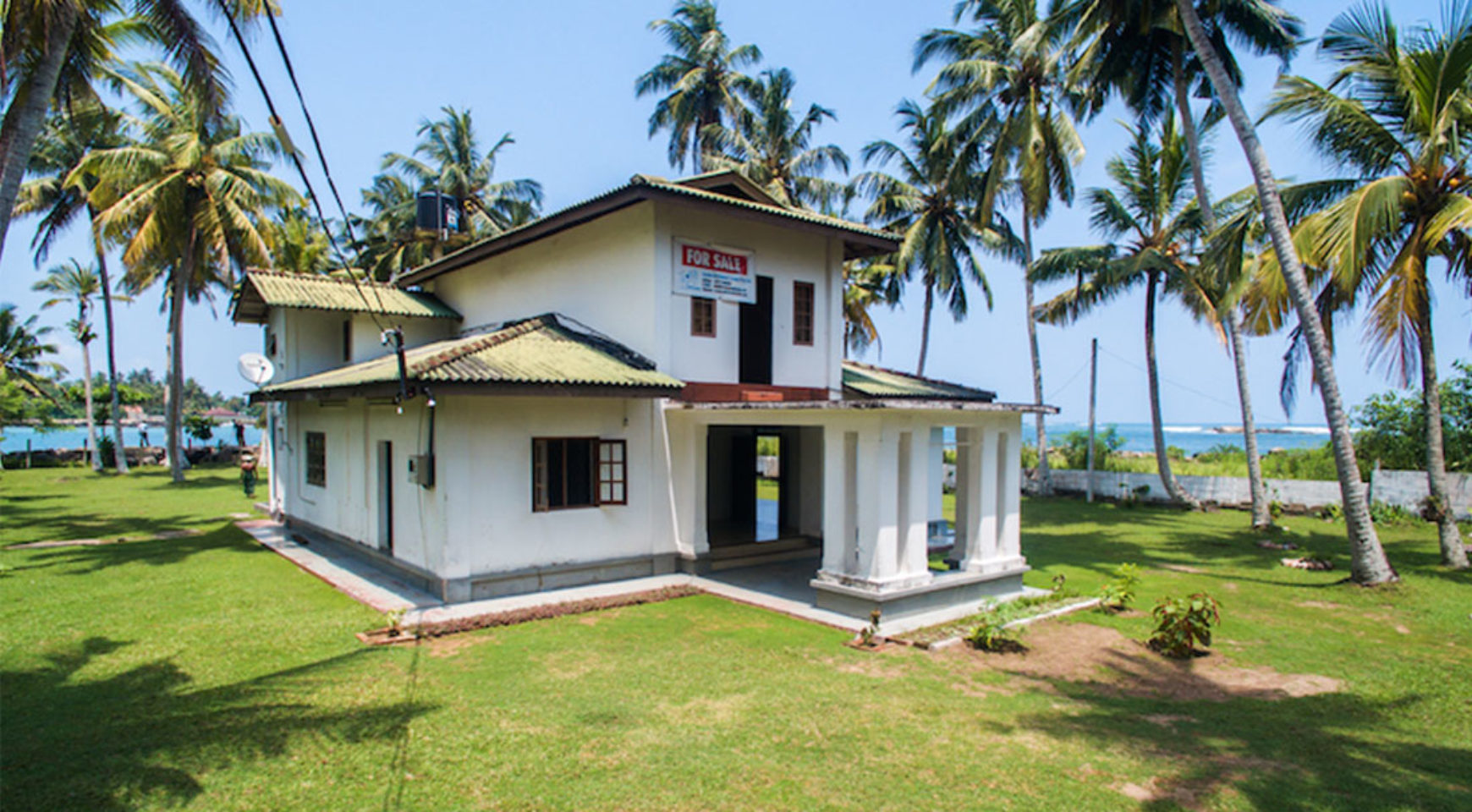 2 bedroom modern house for sale on the beach ceylon for Modern house estate agents