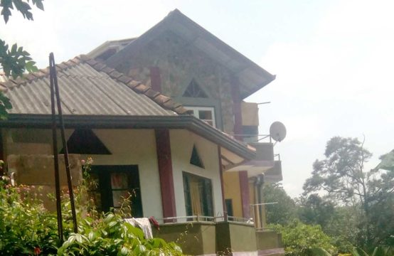 3 Story house for sale at Katugastota
