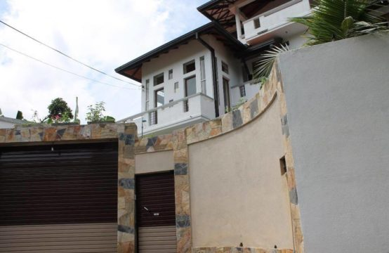 Newly built luxury four bedroom house for sale