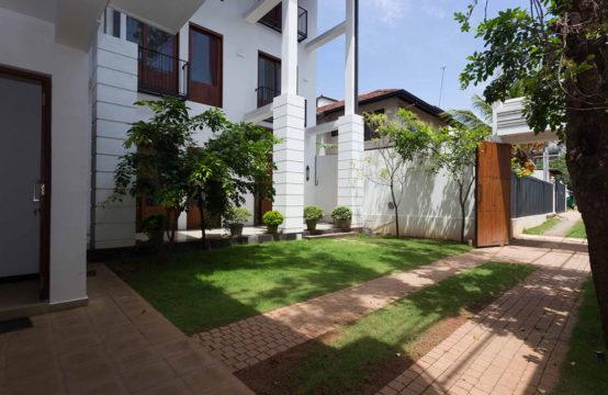 6 Bedroom house for rent at Rajagiriya