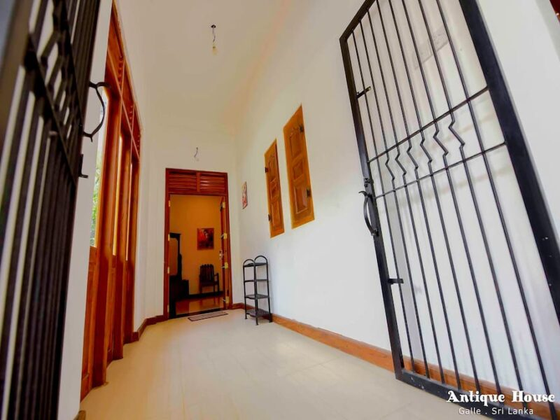 Antique House House For Rent In Galle