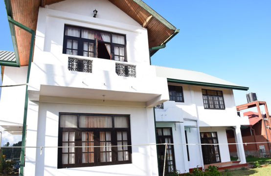 Hilltop five bedroom hotel for sale