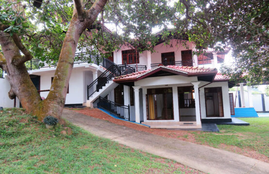 Five bedroom house to rent close to Hikkaduwa beach