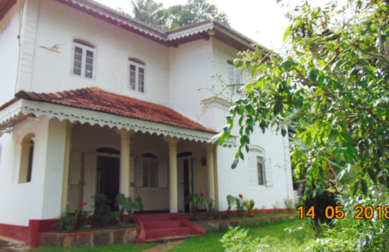 Colonial style 3 bedroom house for sale