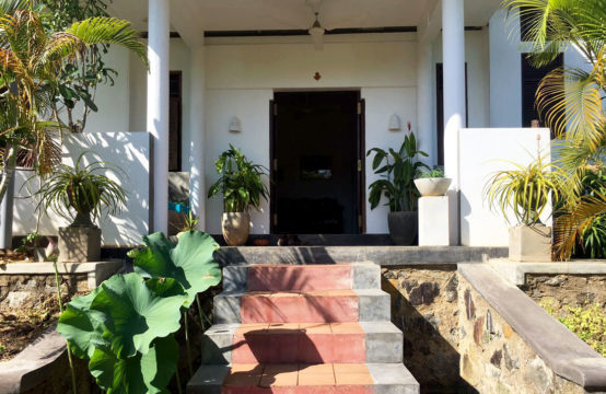 2 bedroom villa for sale close to popular beach