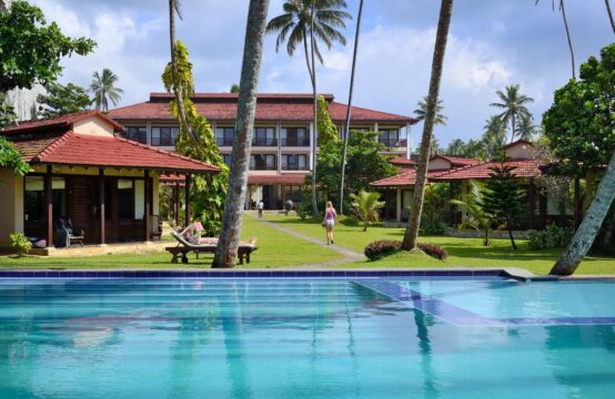3 Star Hotel for sale in Weligama Bay &#8211&#x3B; 2.5 Acres