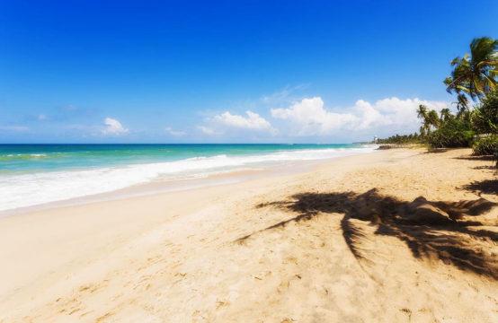 Quite beach villa on the beach for sale