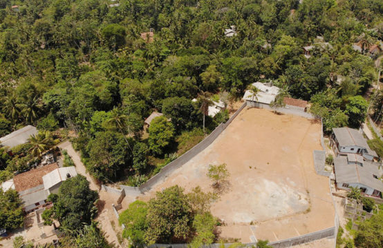 Land for sale in a popular area of Hikkaduwa