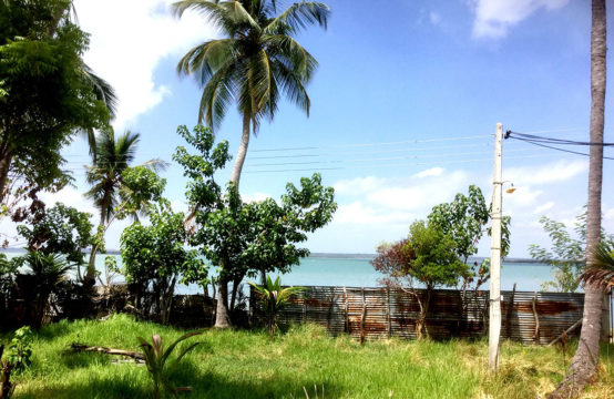 Land for sale in Puttalam lagoon
