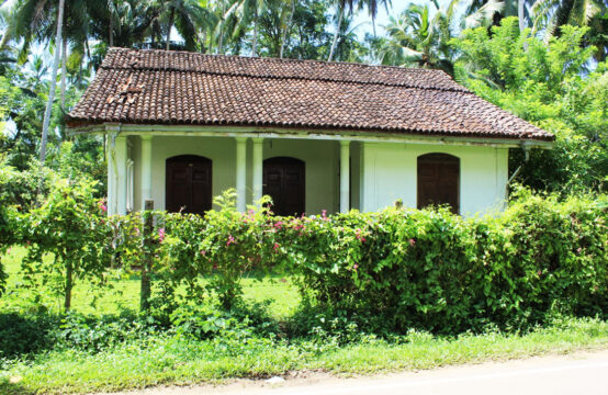 Three bedroom Colonial style house for sale