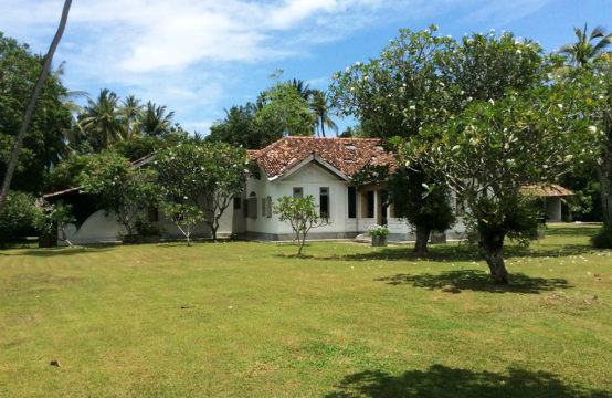 Stunning Colonial style villa for sale on 2 acre