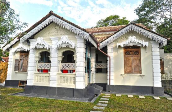 6 Bedroom Colonial style Villa for sale