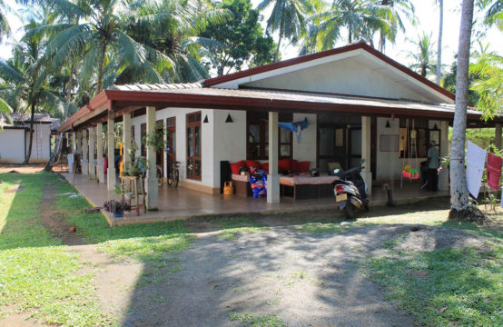 4 Bedroom house and 3 Cabanas for sale