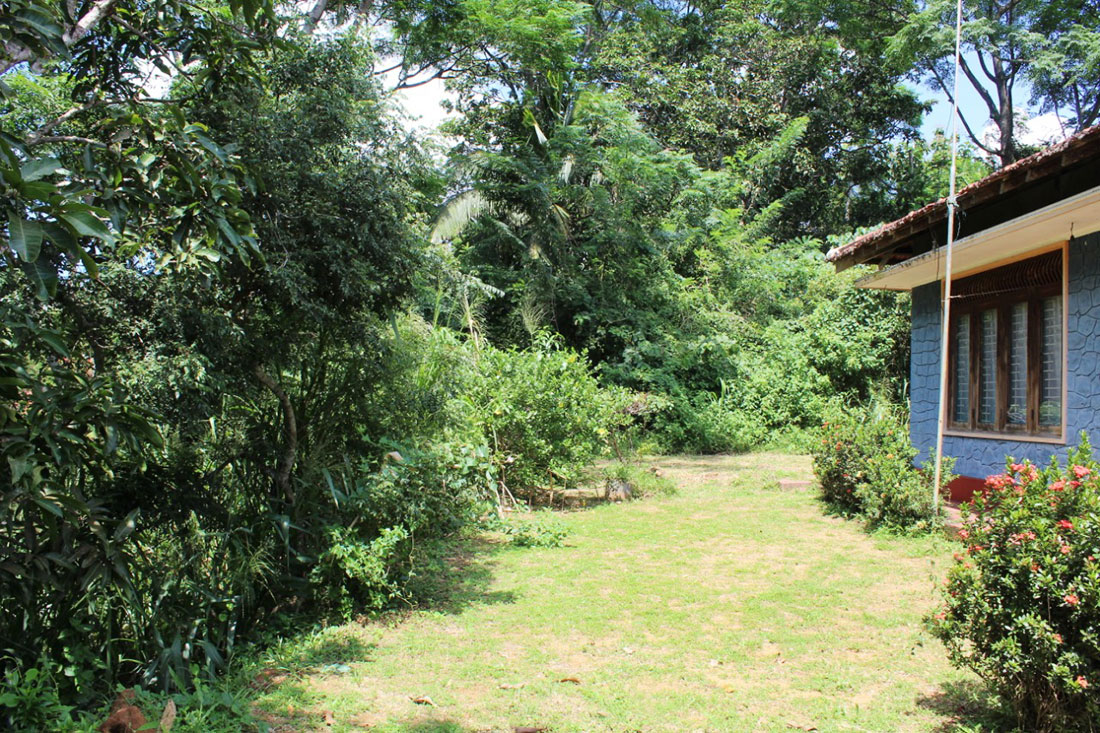 Land with 4 Bedroom house for sale in Nilwella