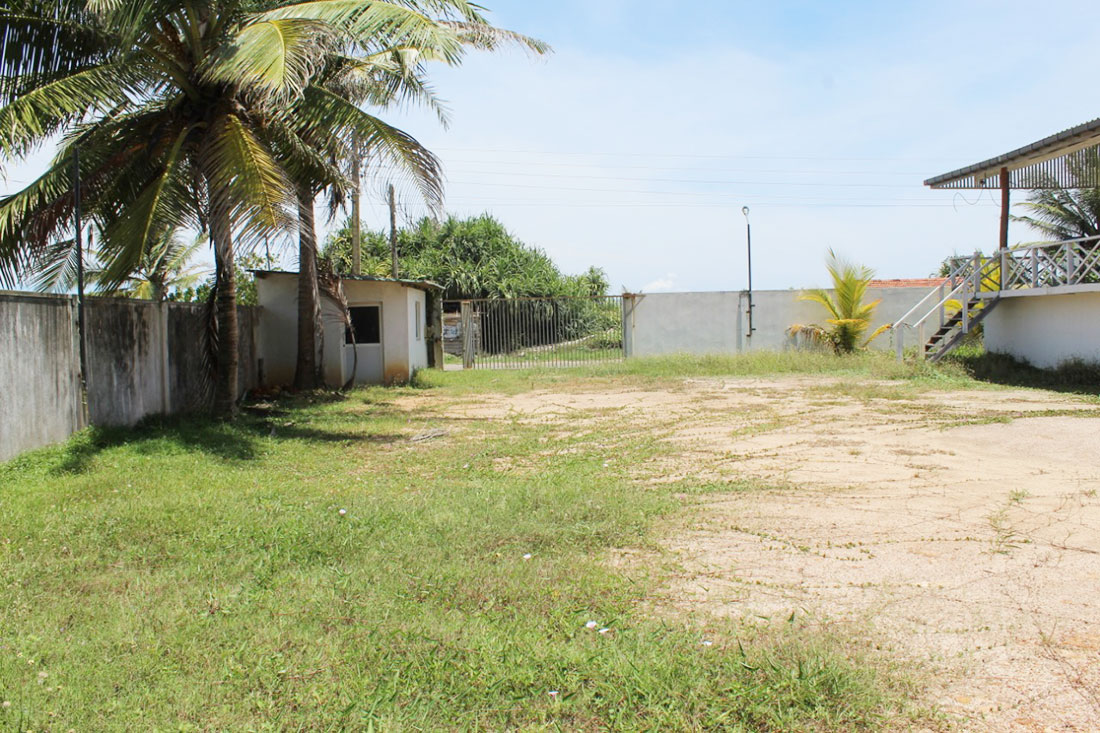 Land for sale with restaurant