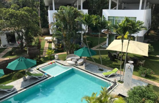 16 Bedroom resort for sale